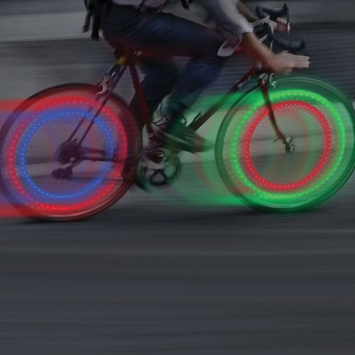 Mini luces led para ruedas de bicicleta 4 pack surtido (2 rojos, 1 azul y 1 verde), baterías reemplazables, resistente al clima, giro de on-off